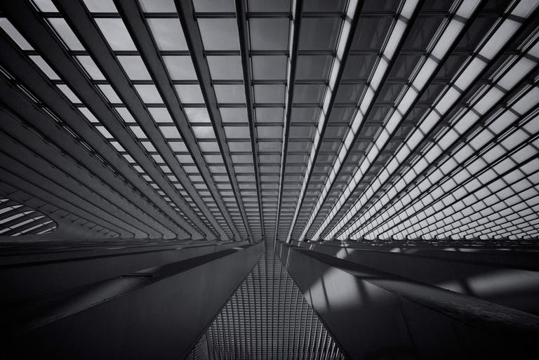 Somewhere in the Guillemins Station. Structure